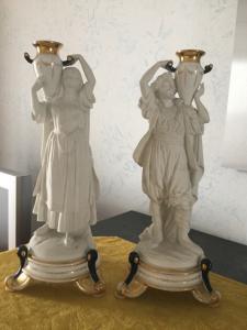 Deux statues en céramique