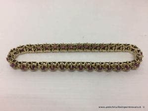 Bracelet en or 900 premiers avec 33 fleurs de rubis