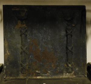 p194 plaque de cheminée en fonte, Louis XVI, cm 74 xh 65 cm