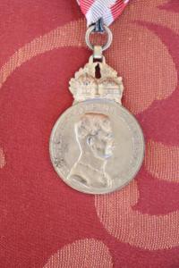 Rare médaille de collectionneur en bronze doré Carlo I d'Autriche euro 90