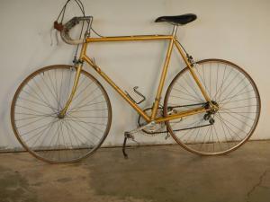 Vélo bazzanella des années 80