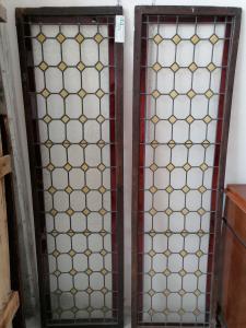 Paire de vitraux à verre coloré du 19ème siècle