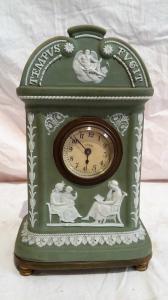 Pendule en porcelaine de Wychwood début XXème