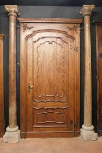 dars379 - série de colonnes en bois avec base en pierre, cm l 32 xh 289
