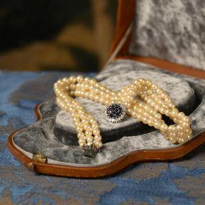 Collier de perles signé par Mellerio dit Meller
