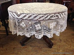 Ancienne nappe filet rond