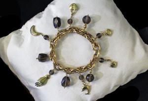 Bracelet avec pendentifs et topazes