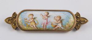 Broche en or 18k et peinte sur émail représentant trois angelots, France '800 fin