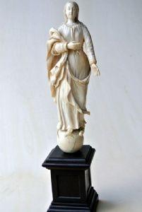 Sainte vierge en ivoire