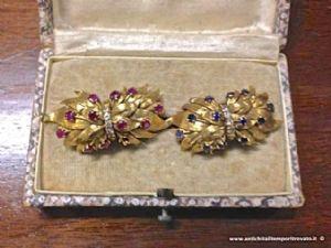 Paire antique de broches d'or