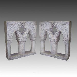 Paire de fenêtres gothiques vénitiennes antiques