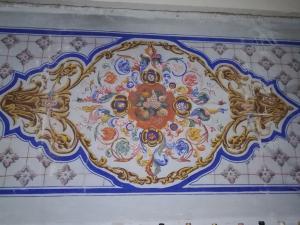 Paire de panneaux en bois et toile peints de motifs floraux, bon état, 18ème siècle