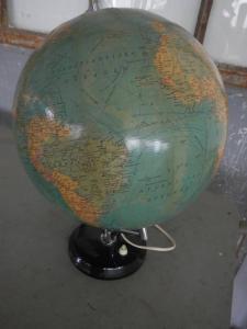 carte du monde avec la lumière des années 50