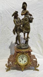Lustre Alpacca signé par l'artiste représentant Cupidon à la fin du 19ème siècle