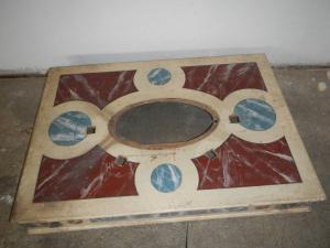 plateforme en bois laqué avec cadres à la feuille d'or des années 1920