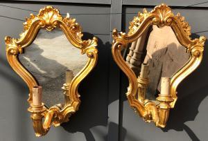 paire d'appliques en bois doré