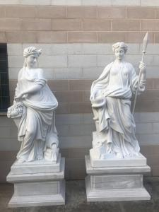 Sculptures en marbre 90x55x230h
