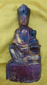 Statuette en bois Policoroma représentant Guanyin protecteur des naissances