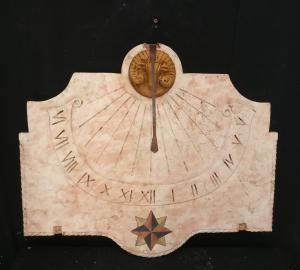 Meridiana in Marmo Nembro Rosa intarsiata - 86 x 75 cm
