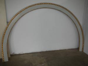cadre laqué en sapin avec torsion de feuille d'or des années 1920
