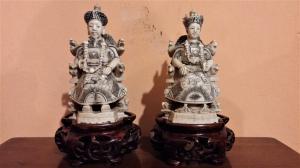 Paire de sculptures en ivoire, empereur et impératrice, fin du XIXe siècle