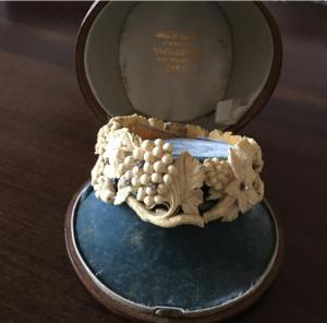 Bracelet en ivoire - avec diamants sertis sur or blanc, début des années 1900