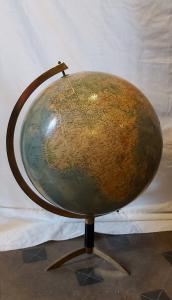 Globe des années 40