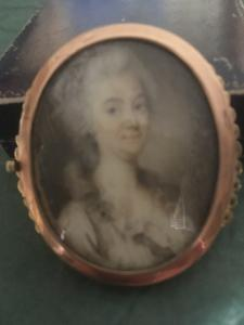 Fermoir en or avec miniature du XVIIIe siècle