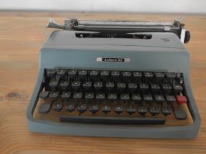Machine à Écrire Olivetti Letter 32, 1960s