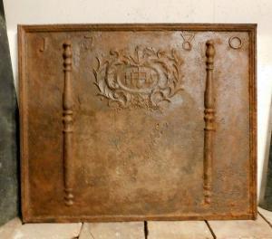 P207 grande plaque en fonte avec date 1780, mis. cm 100 xh 83
