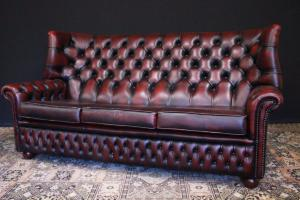 Canapé chesterfield moine 3 places original anglais en cuir bordeaux