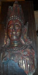Grand fragment de Bodhisattva birman polychrome