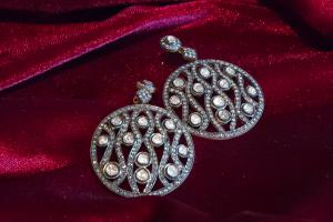 Orecchini tondi a rosette di diamanti