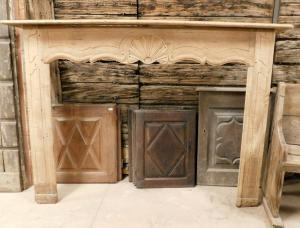 Cheminée chl142 en bois doux provençal, taille 195 cm xh 138,