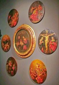 """7 scènes des """"mystères du Rosaire - Nativité dans un cadre contemporain, Italie centrale suiveur de Carlo Maratta de la seconde moitié du XVIIe siècle"""