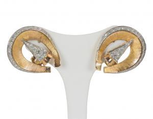 Boucles d'oreilles en or 18 carats avec environ 2,9 ct de diamants taillés en brillant, 50/60 ans