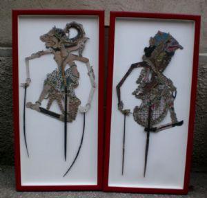deux chiffres pour le cuir d'ombre, bois et du papier peintures chinoises;