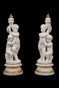 Paire de bougeoirs en marbre. Louis XVI