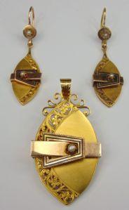 Bourbon Parure composé Broche / pendentif et boucles d'oreilles en or jaune et rose avec des perles (également vendus séparément). End '800