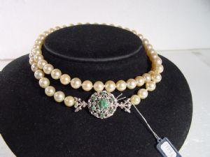 Collier de perles naturelles d'émeraudes et 30s blanc fermoir en or (par un fil)