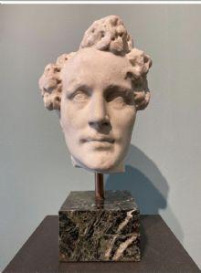 """Sculpture en marbre """"tête"""""""