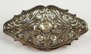 Broche en déco de platine entièrement recouvert de diamants taille brillant, 30 ans