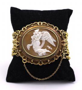 Bracelet en or 18 carats avec camée représentant « Le Léda et le cygne »