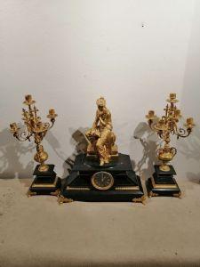 Pendule et candélabre en bronze doré triptyque France seconde moitié du 19ème siècle