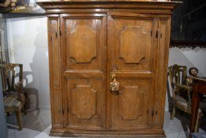 Buffet stipo 17ème siècle en bois tendre