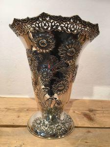 Vase à fleurs en argent massif 950