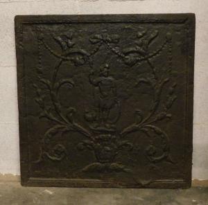 Plaque en fonte p216 avec guerrier romain, mis. 54 x 54 cm