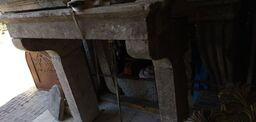 cheminée avec étagères