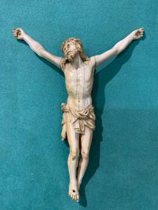Christ en ivoire XVlll siècle