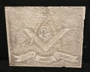 Mattonella Massonica - Faith Hope charity - 50 x 40 cm - Marmo d'Istria - xx secolo